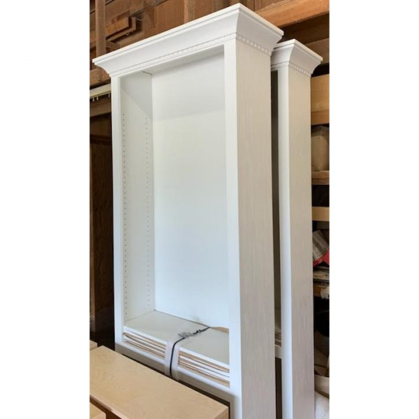 white pInated maple bookcases